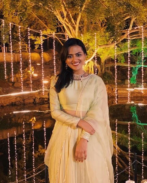 Shraddha Srinath HD Pictures