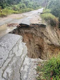 Nyaris Putus,  Jalan Provinsi Penghubung Pakkat - Onan Ganjang Memprihatinkan