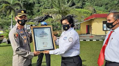 Polres Padang Panjang Terima Piagam Penghargaan dari TRCPPA