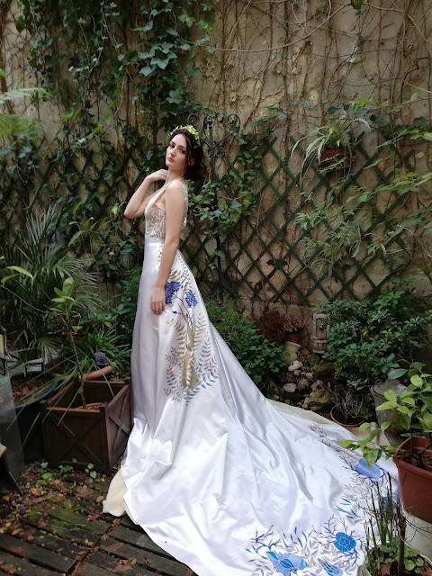 Robe de mariée fleurs bleues