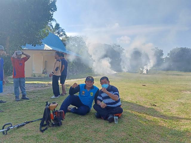 Jumat Bersih Minggu Kedua, Kecamatan Bakung Serumpun Gelar Goro Bersama di Lapangan Sepak Bola Desa Rejai.