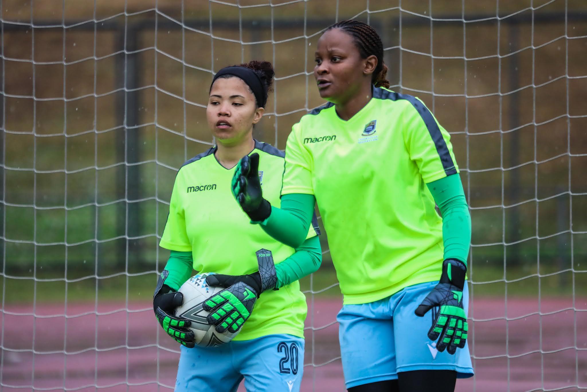 UWC goalkeepers Regirl Ngobeni and Kay-Dee Windvogel