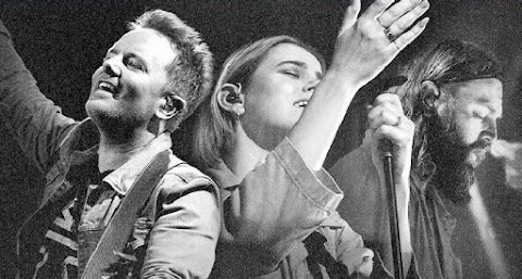 Chris Tomlin and Hillsong UNITED Announce Co-Headlining Mega Tour
