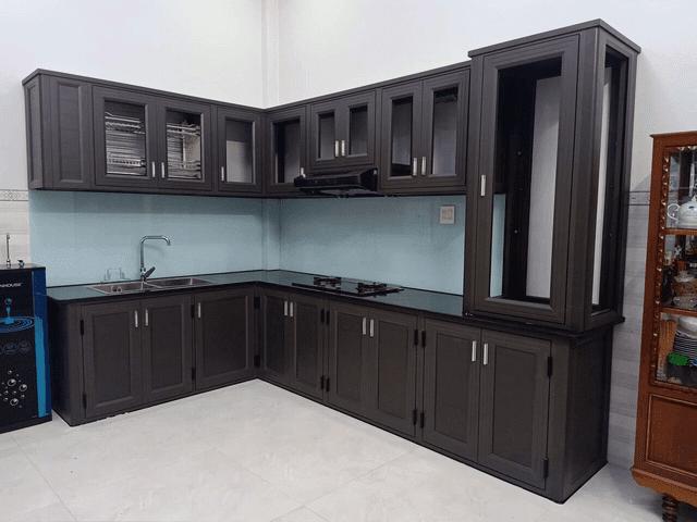 Những kiêng kỵ phong thủy tủ bếp nhôm kính giúp phòng bếp sáng và cho cảm giác rộng hơn