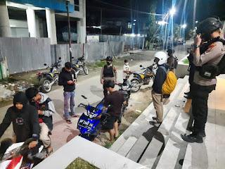 Cegah Aksi Premanisme Unit Patroli Sat Sabhara Polres Enrekang Melaksanakan Patroli Malam Hari