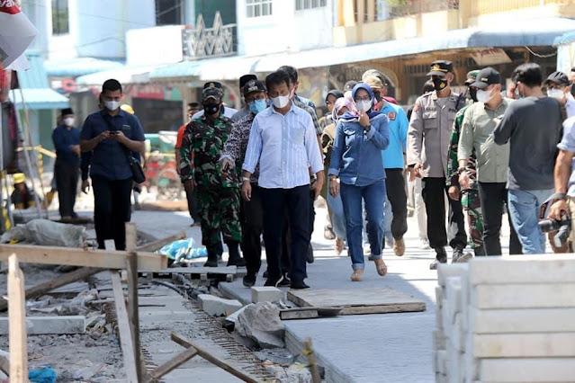 Rudi Meninjau Pembangunan Jalan Merdeka di Belakangpadang