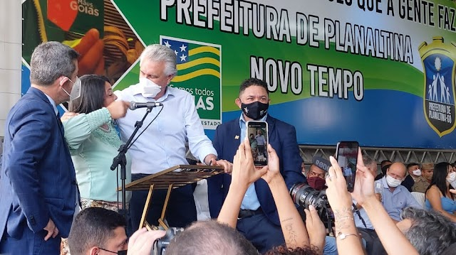 O governador Caiado no Entorno do DF! O Governador foi recebido por mães em Planaltina de Goiás