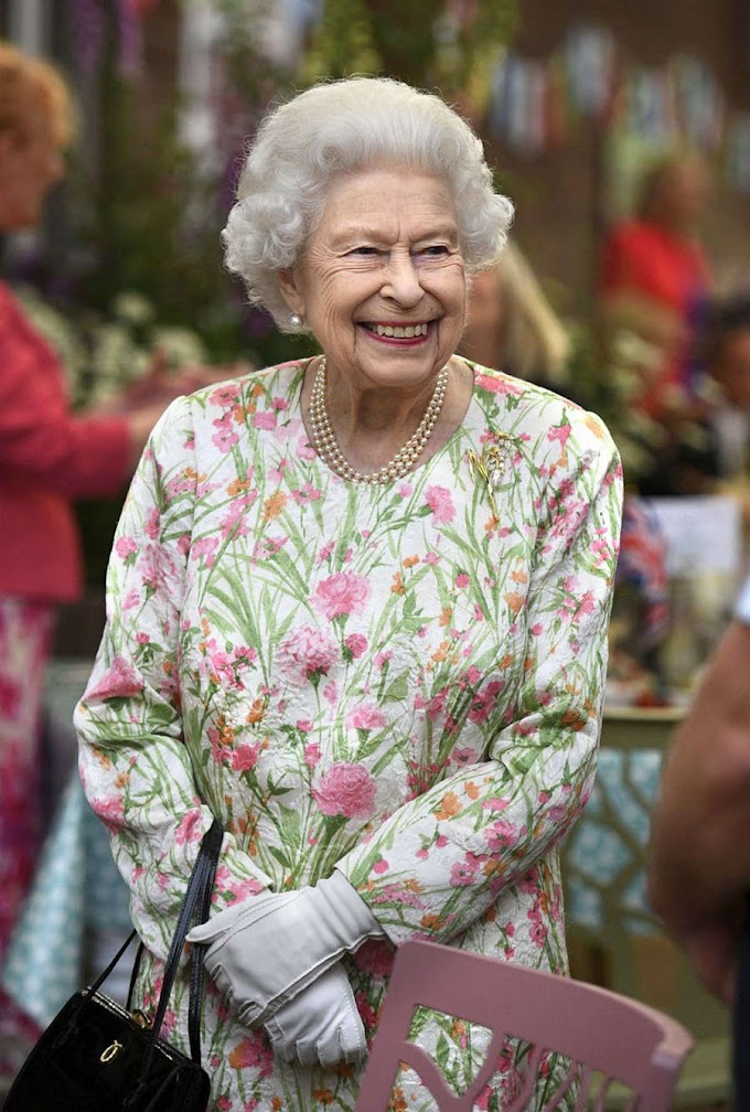 Queen Elizabeth hospitalized after cancelling Ireland trip