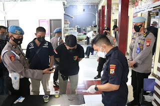 Diawasi Bidpropam Polda Sulsel, Sie Propam Polres Pelabuhan Makassar lakukan Tes Urine terhadap Personil