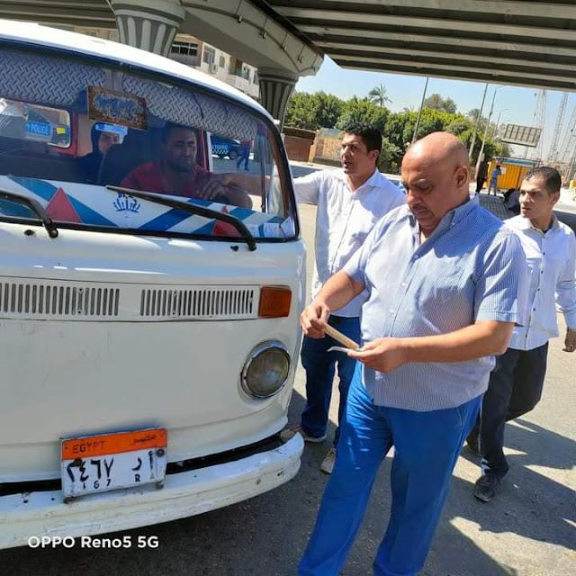خلال حملات مكبرة.. ضبط ٤٥ سيارة مخالفة  لتعريفة ركوب سيارات الاجرة  بالجيزة