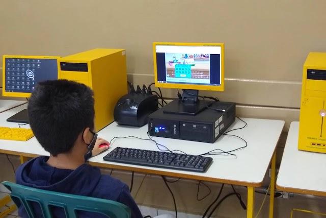 Alunos da rede estadual usam plataforma de games para estudar matemática