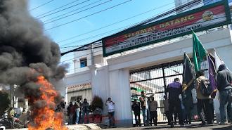 AMPAK Demo di Kantor Kejati Sulsel, Karena Dinilai Mangkrak