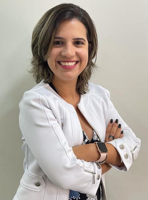Cláudia Dowsley, gerente de negócio do grupo Trino, conta como anos atrás o estágio foi crucial para se encontrar no início de carreira. FOTO ACERVO PESSOAL