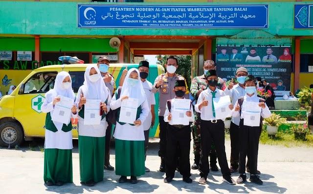 Kapolres Tanjung Balai Tinjau Pelaksanaan Vaksinasi di Sekolah Al Washliyah Kota Tanjungbalai