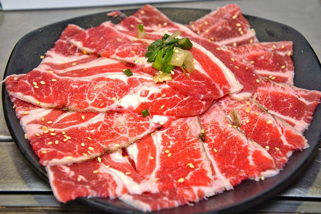 [台南][中西區] 一燒十味昭和園|安平店|日式炭火燒肉+鍋吃到飽|食記