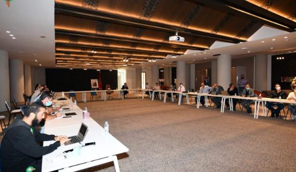 الجامعة تعقد اجتماعا لتقييم وتتبع مخطط تطوير الكرة النسوية