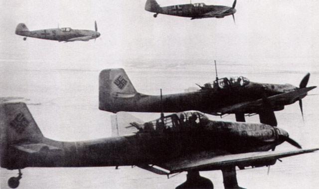 Stukas and Bf 109s June 1942 worldwartwo.filminspector.cmo