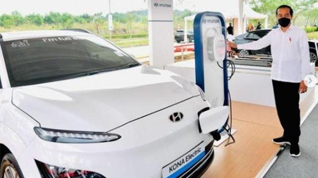 Jokowi Sebut Mobil Listrik Buatan Indonesia akan Muncul di 2023-2024