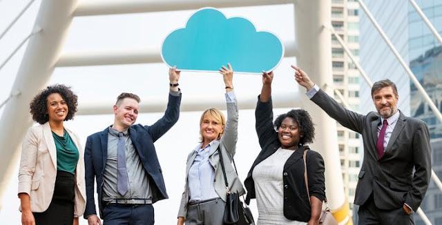 Pesatnya perkembangan teknologi saat ini telah banyak memberikan solusi alternatif bagi se Apa Itu Cloud Computing? Beserta Manfaat, Cara Kerja dan Contoh