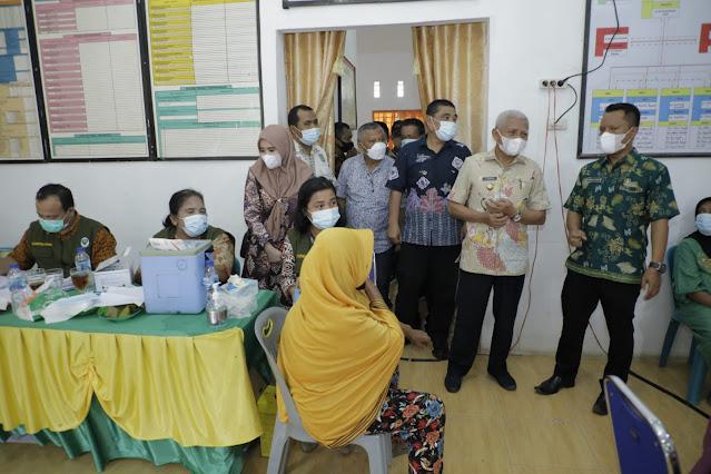 Ditinjau Bupati H Surya, Pemkab Asahan Gelar Vaksinasi Covid-19 di Beberapa UPTD Puskesmas