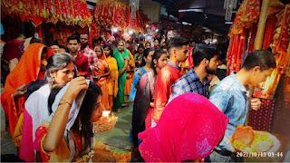 अष्टमी पर मां शीतला चौकियां धाम में हजारों भक्तों ने टेका मत्था | #NayaSaberaNetwork