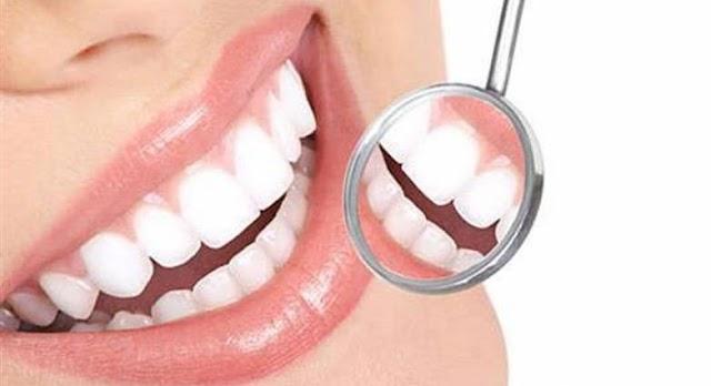 Ματώνουν τα δόντια; Δείτε γιατί