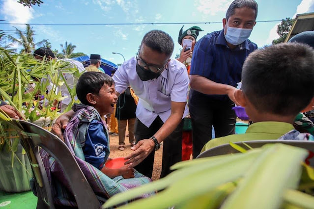 Ardiwinata Menghadiri Kegiatan Kebudayaan Budaya Mandi Safar yang Digelar Masyarakat Kampung Terih