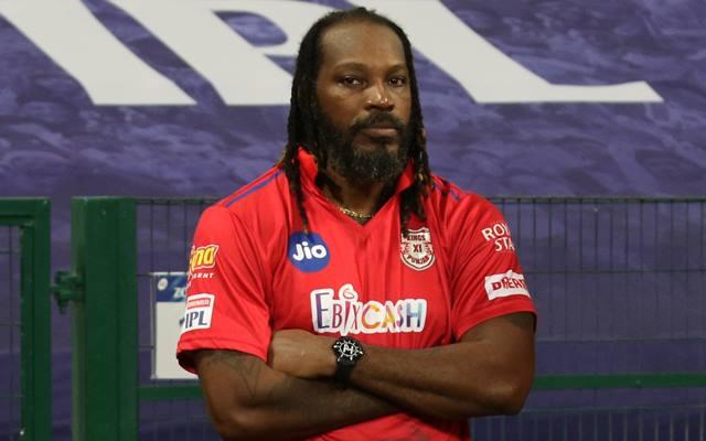 गेल ने बीच आईपीएल में छोड़ दिया पंजाब टीम का साथ