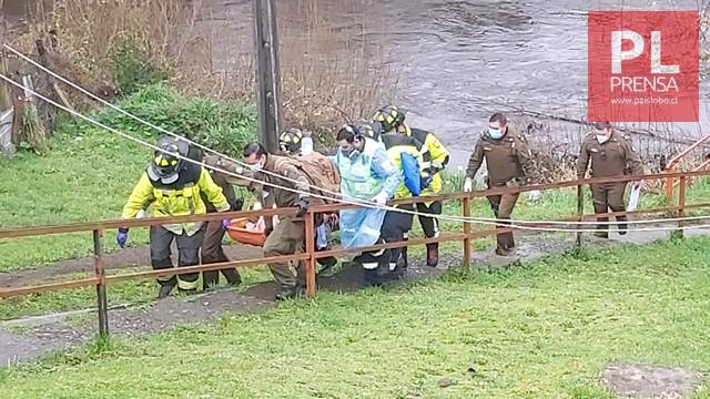 Rescatan a hombre herido desde la ribera del río Damas