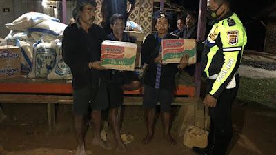 Pasca Kebakaran di Baduy, Polres Lebak Polda Banten Berikan Bantuan