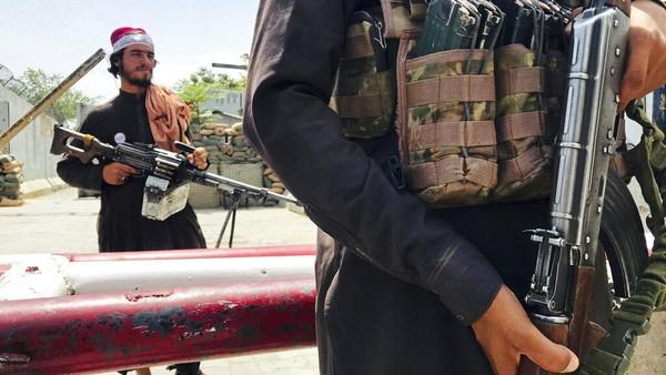 Taliban Bersenjata Ketuk Rumah Warga Afghanistan, Minta Kembali Bekerja
