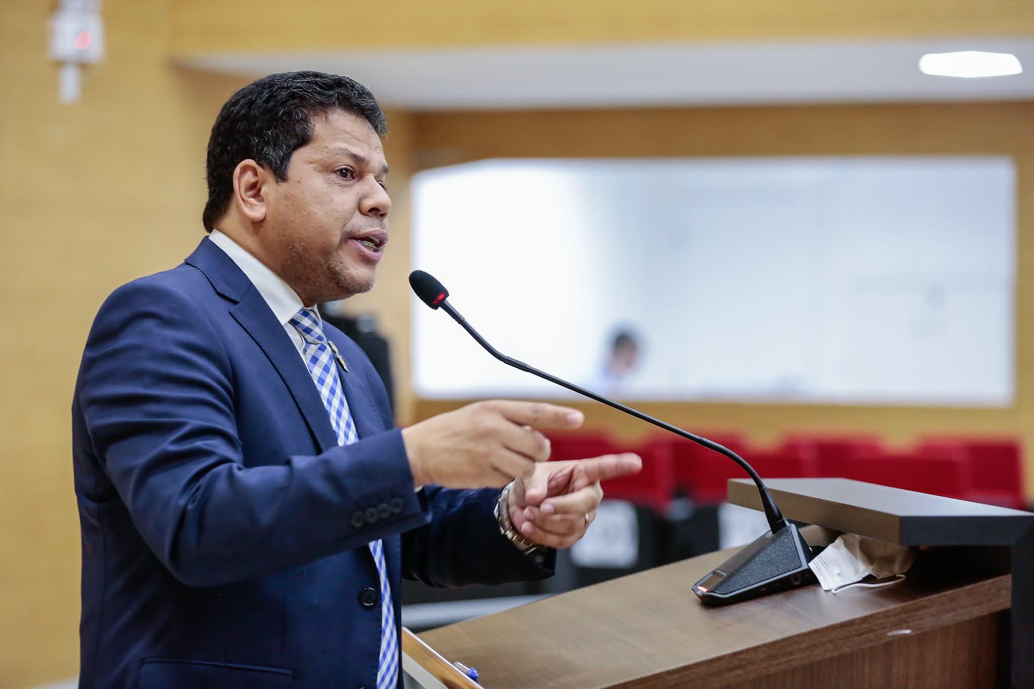 Deputado Jair Montes cobra realinhamento salarial dos servidores do Detran