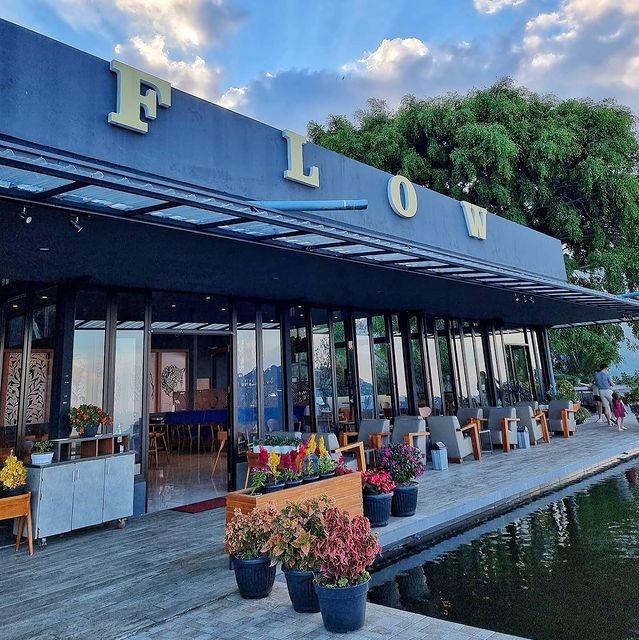 Flow Cafe and Eatery Kopeng Salatiga