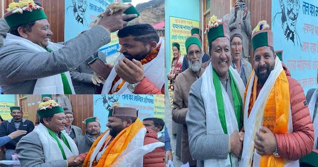 एक ही गांव में प्रचार करने पहुंचे BJP-कांग्रेस के विधायक, पक्ष-विपक्ष का हुआ शानदार मिलन