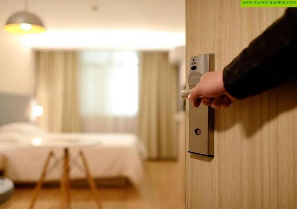 El Gobierno suspende la obligación de presentar el certificado COVID para acceder a los alojamientos turísticos