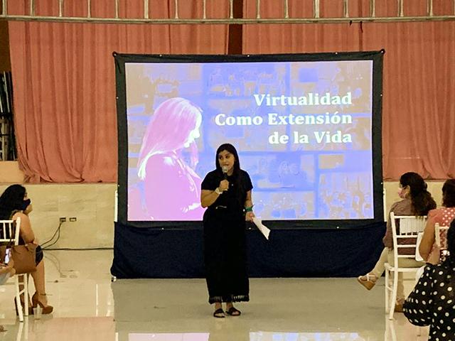 Mujeres, principales víctimas de la violencia digital: Olimpia Coral