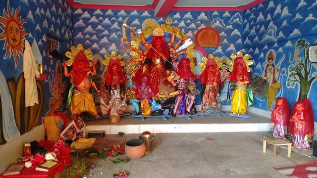 सेरनदाग में सन् 1989 ईस्वी से हो रहा है दुर्गा पूजा ,सम्प्रदायिक सौहार्द्र का मिसाल है सेरनदाग का दुर्गा पूजा मुस्लिम समुदाय का भी हमेशा रहता है सहयोग