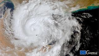 بث مباشر...  إعصار شاهين يضرب عمان، ثلاثة قتلى وتأخر الرحلات الجوية