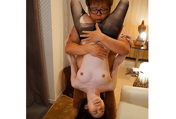 SSNI-897 Eng Sub Tiny Cutie Spends The Night With Her Huge Boss On A Business Trip