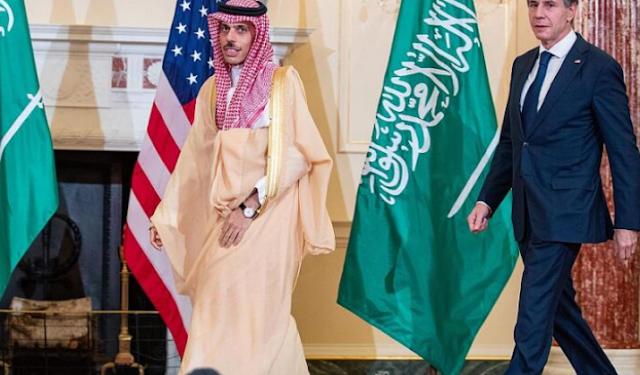 نووي إيران وانتهاكات الحوثي ضمن مباحثات سعودية أمريكية