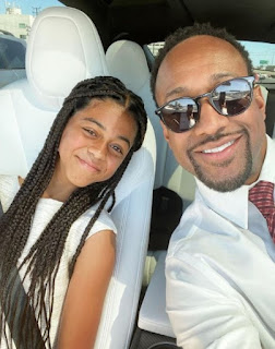 Jaleel White clicking selfie with his daughter Samaya while sitting in a car
