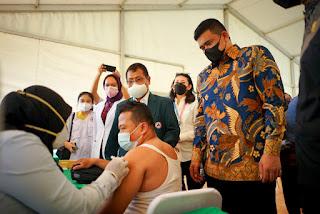 Tinjau Vaksinasi Supir Angkutan Umum, Bobby Nasution Akui Aktifitas akan Dilonggarkan Termasuk PTM