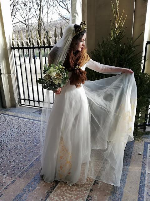 Robe de mariée D'Ors et de Soie, peinte à la main