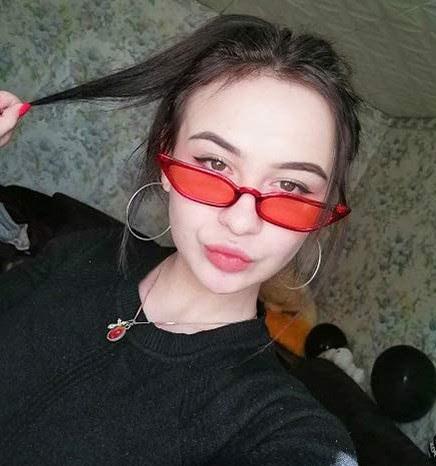Small Vintage Retro Cat Eye Sunglasses