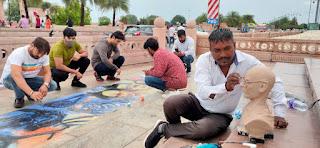 बापू व शास्त्री के जयंती पर चित्रकारों ने किया अद्भुत प्रदर्शन, बनाई कलाकृतियां  | #NayaSaberaNetwork
