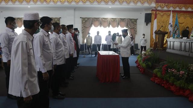 Ketua PMI Sumbar Melantik Risnawanto Sebagai Ketua PMI Pasbar Masa Bakti 2021-2026