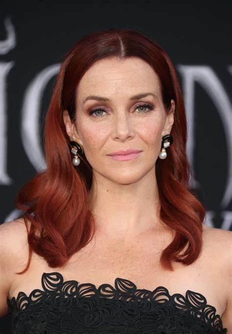 Annie Wersching Net Worth, Income, Salary, Earnings, Biography, How much money make?