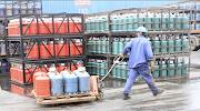 societe d'achat et la vente de gaz butane et distribution recrute des ouvriers et aide comptable et magasinier