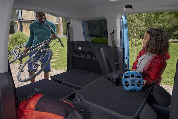 Novo Ford Tourneo Connect 2022 - VW Caddy