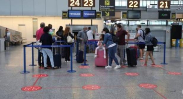 السلطات الإسبانية تفرض شروطا جديدة للراغبين في السفر جوا وبحرا